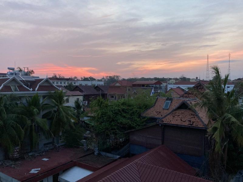カンボジアの朝焼け