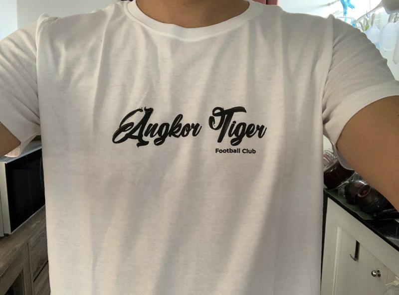 アンコールタイガーのTシャツ
