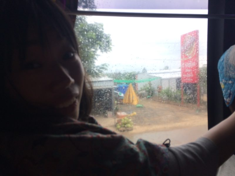 プノンペンへ戻るバスの車内