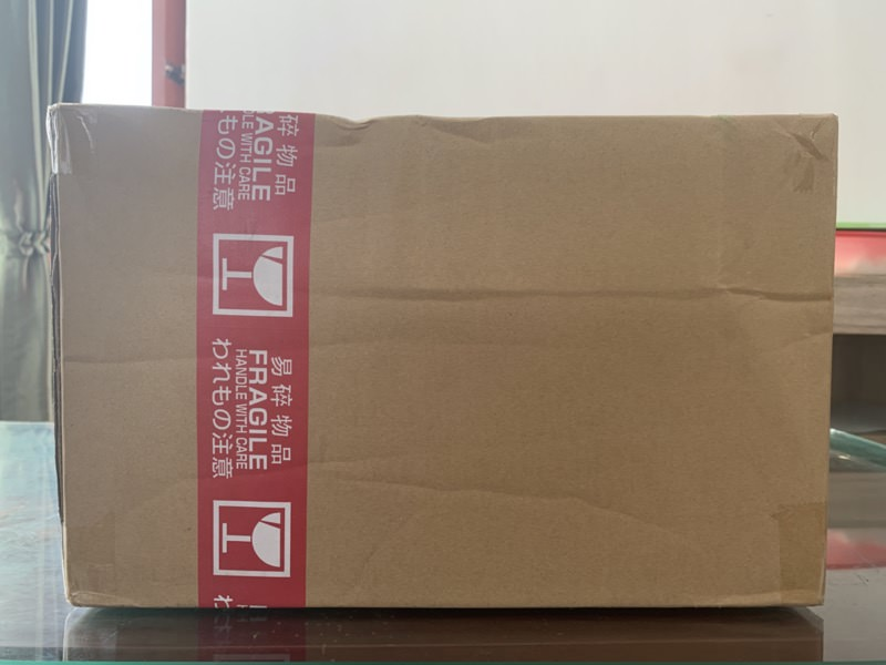 DHLで届いた荷物